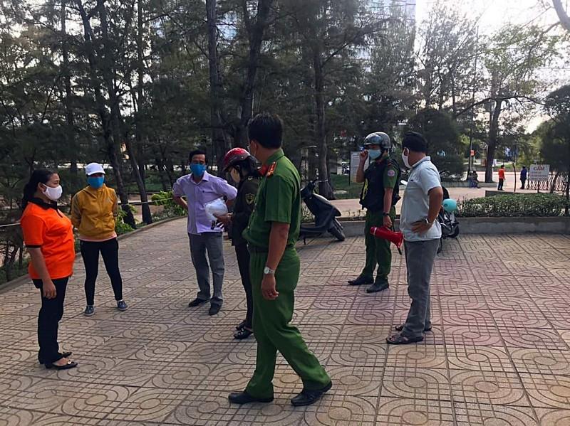 Bình Thuận: Nhắc nhở các cuộc nhậu vỉa hè tập trung đông người - ảnh 1