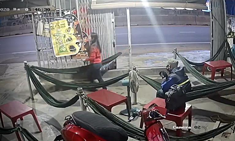 Dùng búa tấn công nữ chủ quán cà phê ở Phan Thiết - ảnh 2