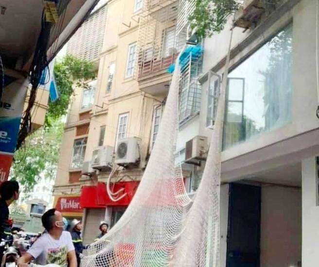Nóng: Giăng lưới bắt kẻ dùng búa tấn công nữ chủ quán cà phê - ảnh 1