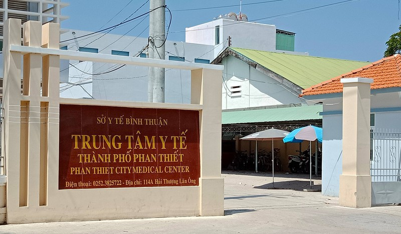 Giám đốc, Phó Giám đốc Trung tâm Y tế Phan Thiết bị cách chức - ảnh 1