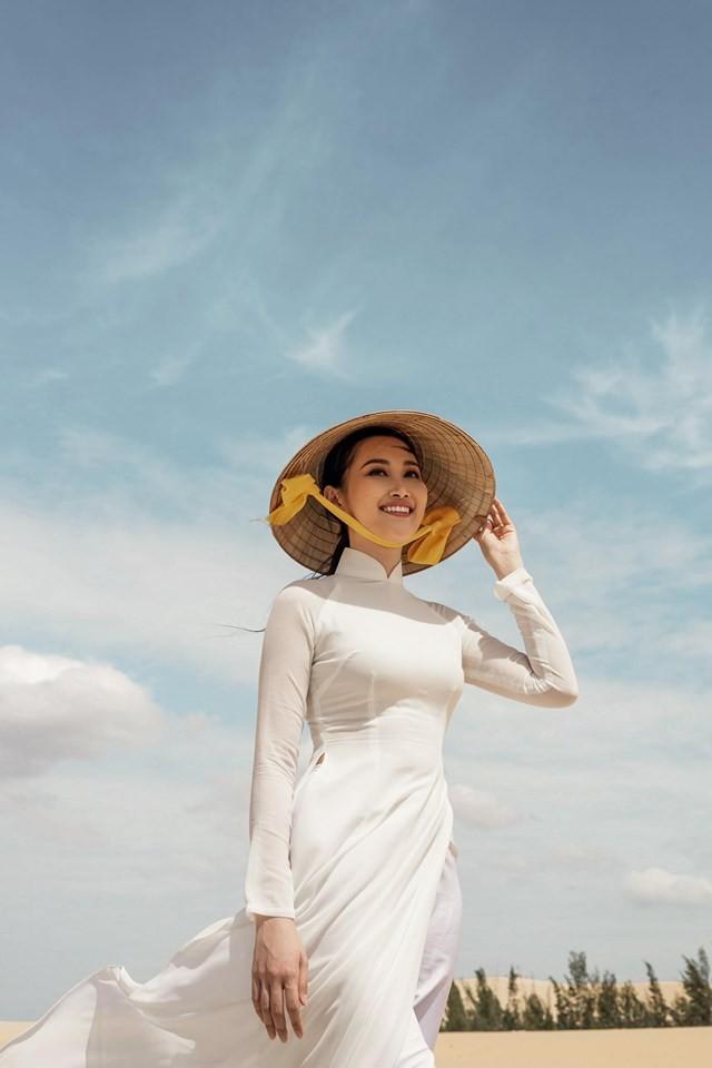 Cô gái trồng thanh long tham dự cuộc thi hoa hậu quốc tế - ảnh 2