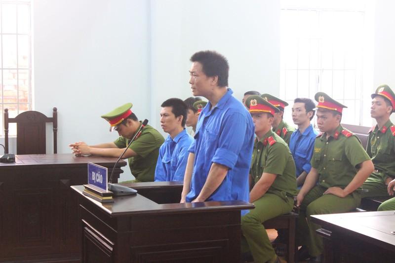 Cựu đại úy công an 'giúp sức' phạm nhân vượt ngục hầu tòa - ảnh 2