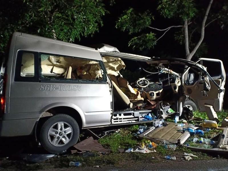 Lãnh đạo Bình Thuận vào bệnh viện thăm hỏi nạn nhân vụ tai nạn - ảnh 2