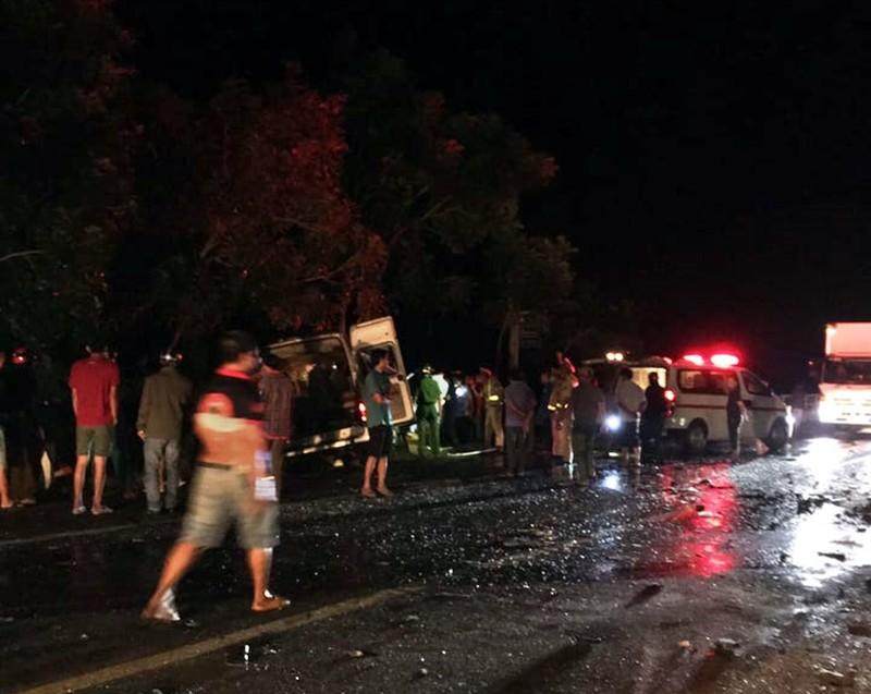 Bình Thuận: 8 người chết sau tai nạn giữa xe khách và ô tô tải - ảnh 1