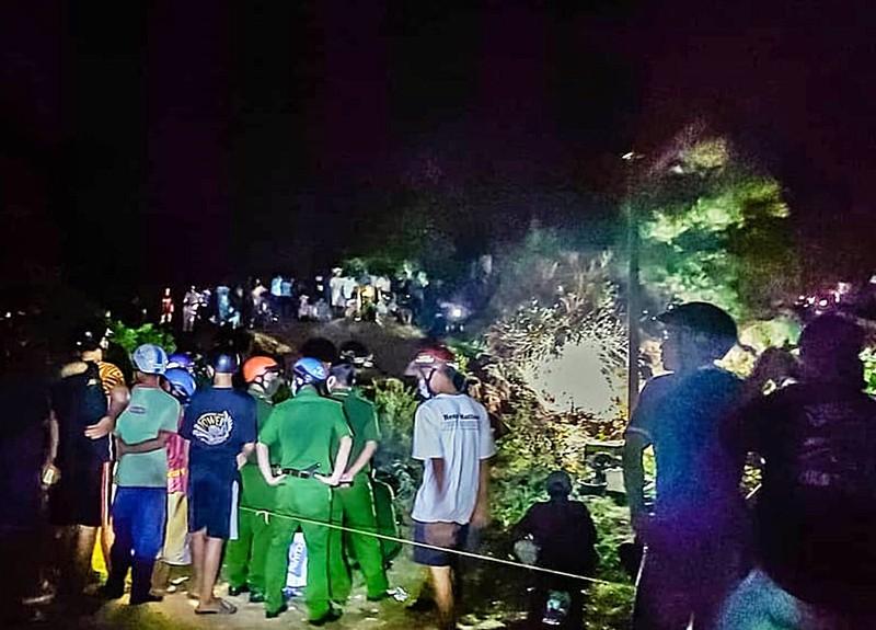 Phát hiện 1 người chết dưới hố đất trong rừng - ảnh 1