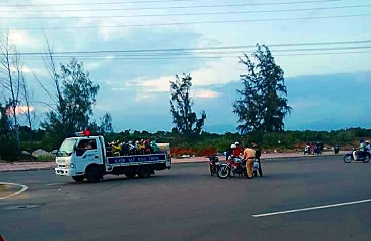 Hàng chục quái xế các tỉnh đến Bình Thuận tổ chức đua xe  - ảnh 1