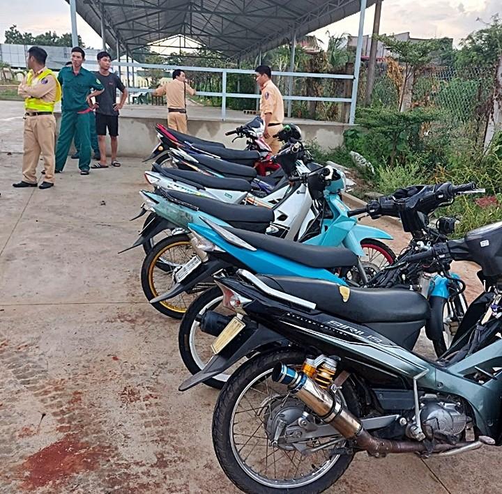 Hàng chục quái xế các tỉnh đến Bình Thuận tổ chức đua xe  - ảnh 4