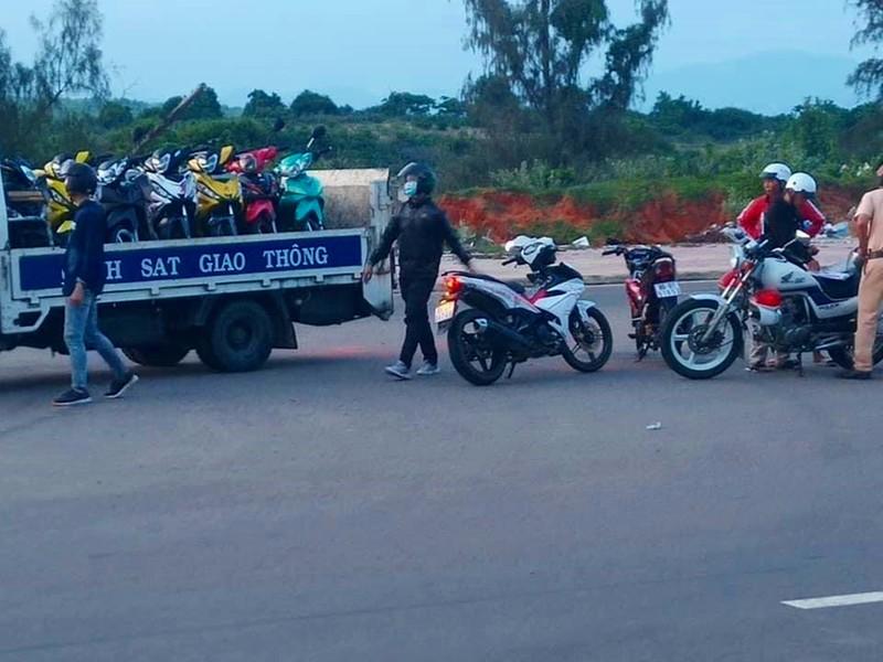 Hàng chục quái xế các tỉnh đến Bình Thuận tổ chức đua xe  - ảnh 2