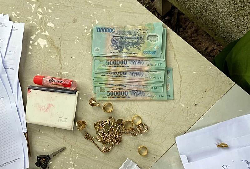 Tên trộm chê tiền lẻ quăng lại mấy xấp cho khổ chủ - ảnh 2