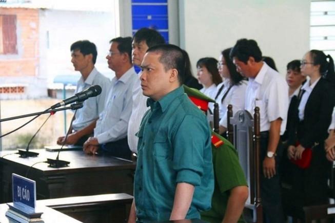 Phó Giám đốc BV Bình Thuận bị cách tất cả chức vụ trong Đảng  - ảnh 2