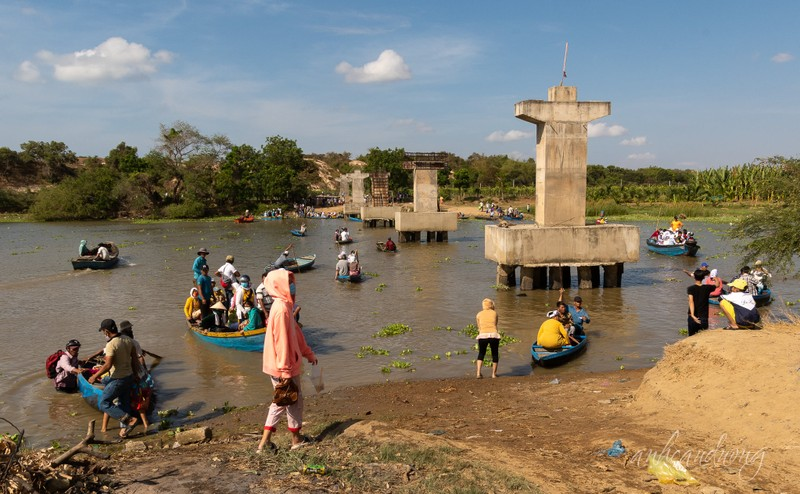 Khẩn trương thi công cây cầu dang dở hơn 7 năm - ảnh 2
