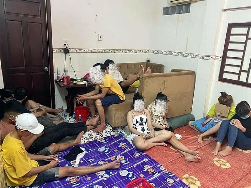 Bình Thuận: 20 thanh niên nam nữ 'bay lắc' trong mùa COVID-19  - ảnh 1