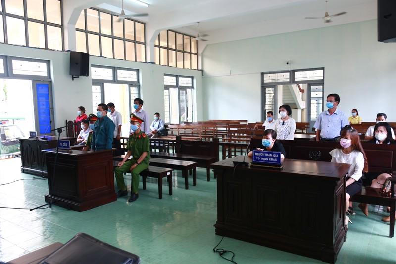 Cựu trưởng phòng Bệnh viện Phan Thiết lãnh 20 năm tù - ảnh 2