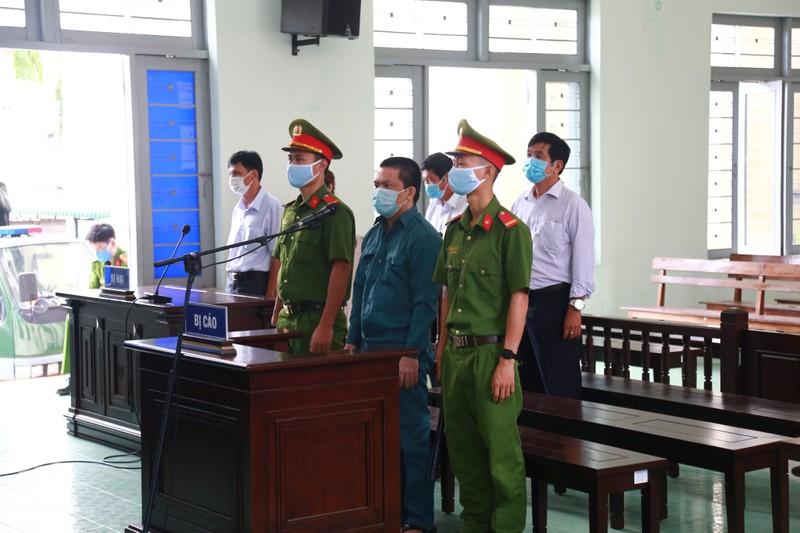 Cựu trưởng phòng Bệnh viện Phan Thiết lãnh 20 năm tù - ảnh 1