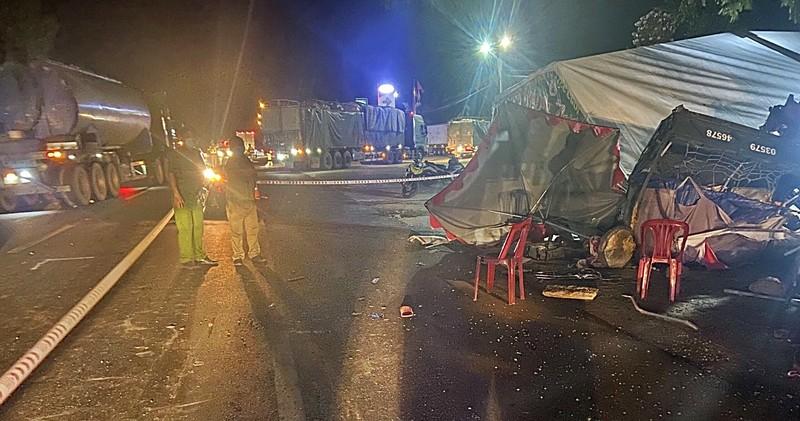 Bình Thuận hỗ trợ khẩn cấp cho gia đình đi xe ba gác về quê gặp nạn - ảnh 1