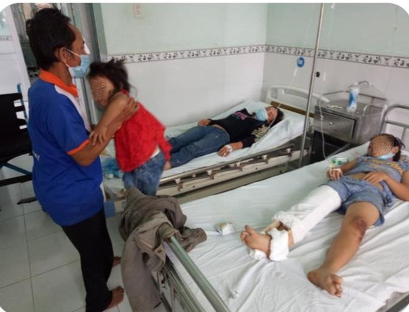 Bình Thuận hỗ trợ khẩn cấp cho gia đình đi xe ba gác về quê gặp nạn - ảnh 3