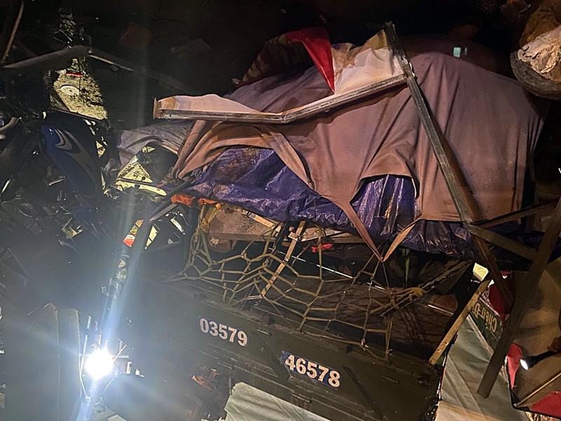 Bình Thuận hỗ trợ khẩn cấp cho gia đình đi xe ba gác về quê gặp nạn - ảnh 2