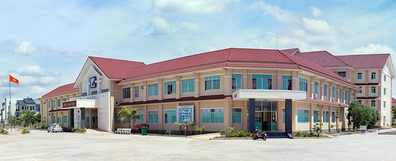 Bình Thuận chuyển công năng 2 bệnh viện thành nơi điều trị COVID-19 - ảnh 1