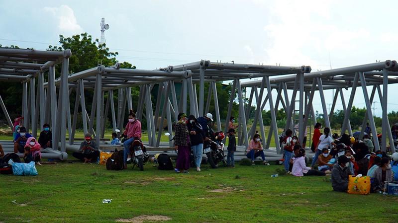 Ninh Thuận thông tin việc xử phạt người dân tự đi xe máy về quê - ảnh 1