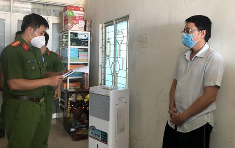 Nhóm làm phiếu xét nghiệm giả ở TP Phan Thiết in cả giấy thông hành - ảnh 3