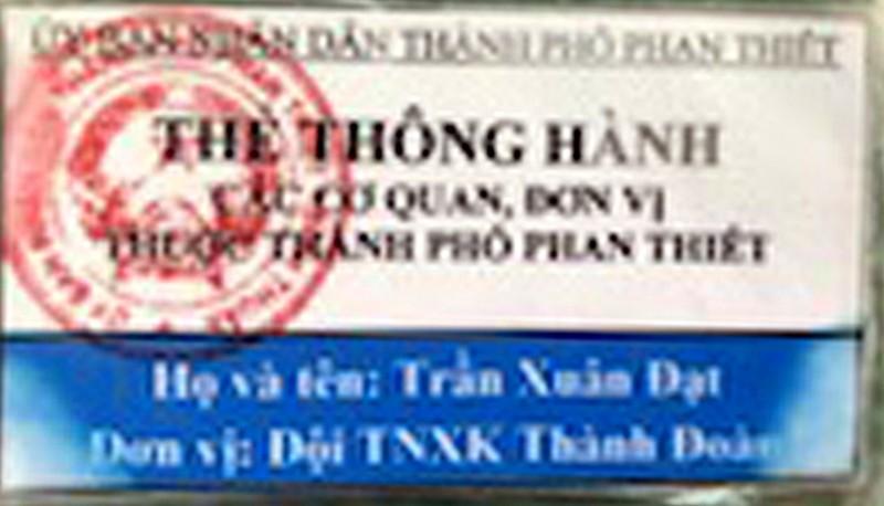 Nhóm làm phiếu xét nghiệm giả ở TP Phan Thiết in cả giấy thông hành - ảnh 2