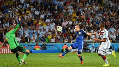 Nhìn lại diễn biến trận chung kết kinh điển giữa Đức và Argentina - ảnh 16