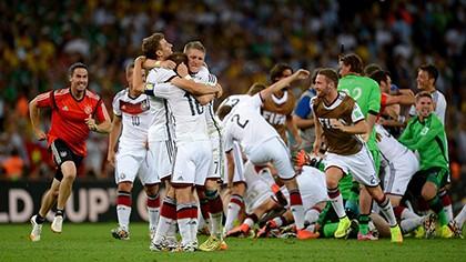 Nhìn lại diễn biến trận chung kết kinh điển giữa Đức và Argentina - ảnh 22