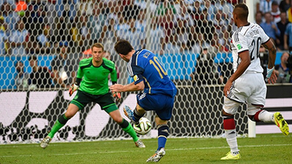 Nhìn lại diễn biến trận chung kết kinh điển giữa Đức và Argentina - ảnh 9