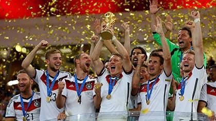 Khoảnh khắc đăng quang đầy cảm xúc của nhà vô địch thế giới Đức - ảnh 13