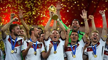 Khoảnh khắc đăng quang đầy cảm xúc của nhà vô địch thế giới Đức - ảnh 19