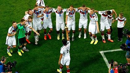 Khoảnh khắc đăng quang đầy cảm xúc của nhà vô địch thế giới Đức - ảnh 22