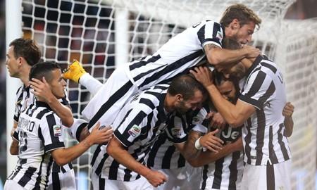 Juventus dễ dàng có được chiến thắng trước Cesena