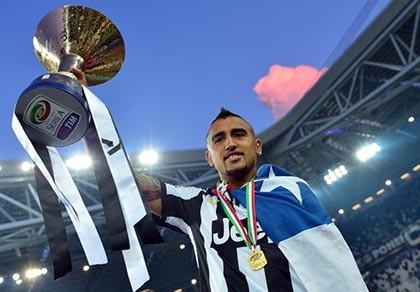 M.U định đánh cả 'cụm' Juventus: Trở lại với Vidal, 'săm soi' Agbonna - ảnh 1