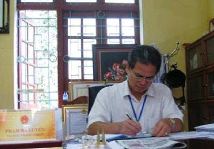 Trưởng phòng giáo dục khai man bị cách chức, thu hồi danh hiệu - ảnh 1