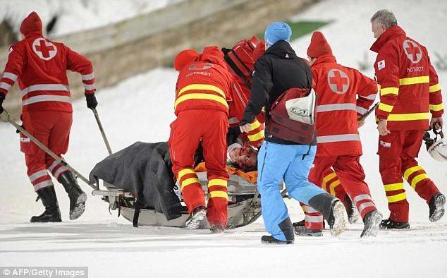 Kinh hoàng nhà vô địch Olympic gặp tai nạn bất tỉnh trên vũng máu - ảnh 10