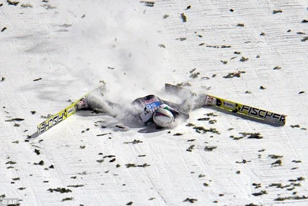Kinh hoàng nhà vô địch Olympic gặp tai nạn bất tỉnh trên vũng máu - ảnh 1