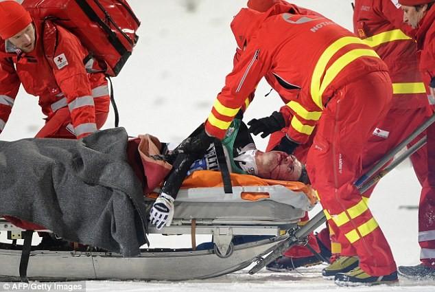 Kinh hoàng nhà vô địch Olympic gặp tai nạn bất tỉnh trên vũng máu - ảnh 2