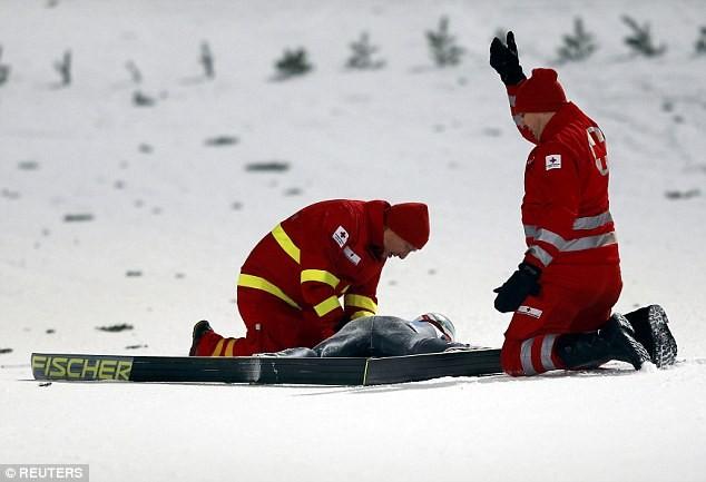 Kinh hoàng nhà vô địch Olympic gặp tai nạn bất tỉnh trên vũng máu - ảnh 9