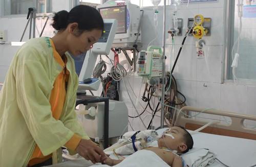 cấp cứu, trẻ em, bệnh viện, sặc bàn phím, ngưng thở, nguy kịch, Đồng Nai