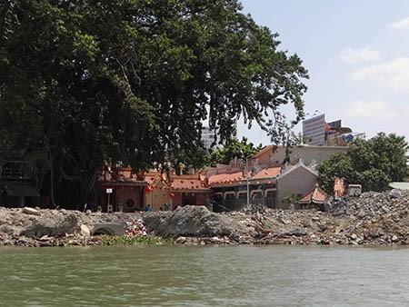 Cảnh lấp sông Đồng Nai trước giờ tạm ngưng - ảnh 3