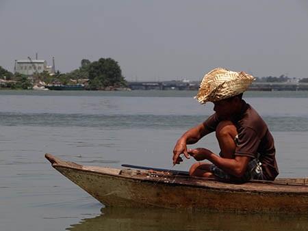 Cảnh lấp sông Đồng Nai trước giờ tạm ngưng - ảnh 7