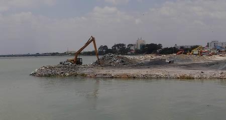 Cảnh lấp sông Đồng Nai trước giờ tạm ngưng - ảnh 8