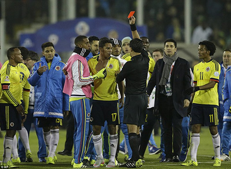 Neymar 'nổi điên', trận Brazil - Colombia kết thúc trong bạo lực - ảnh 5