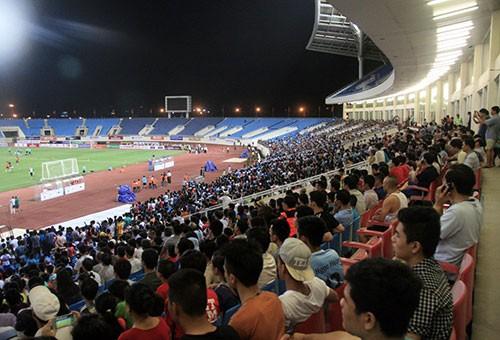 Chùm ảnh cầu thủ Việt Nam, Man City tập luyện cho trận đấu tối nay - ảnh 10