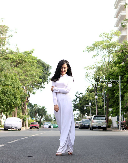 'Nữ sinh phong cách' Trần Bảo Như dịu dàng trong tà áo dài - ảnh 10