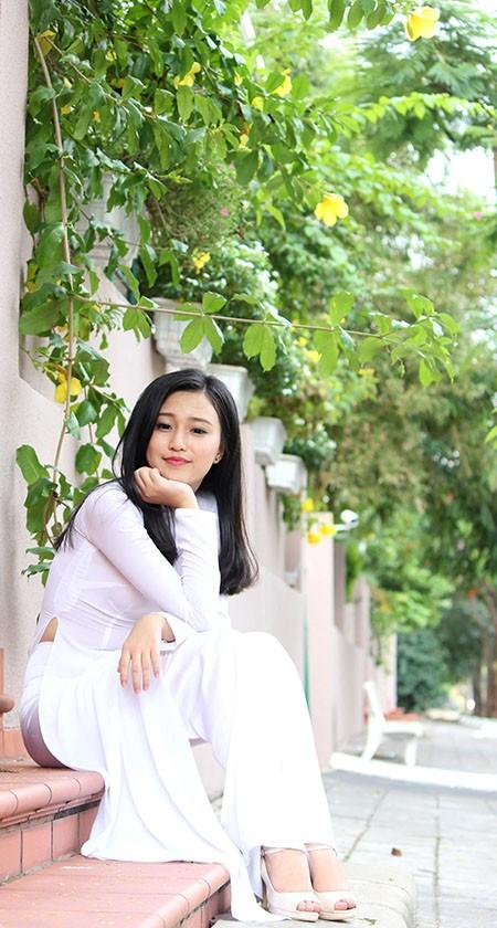 'Nữ sinh phong cách' Trần Bảo Như dịu dàng trong tà áo dài - ảnh 13