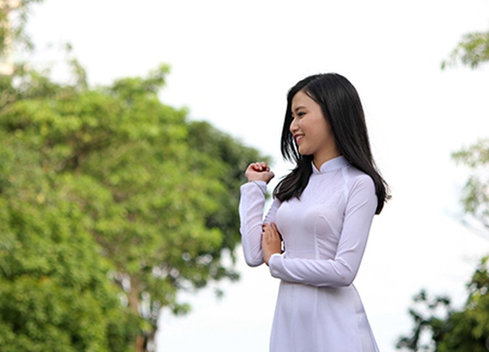 'Nữ sinh phong cách' Trần Bảo Như dịu dàng trong tà áo dài - ảnh 14