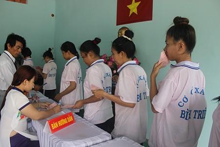 Hàng trăm học viên trại cai nghiện đi bầu cử - ảnh 2