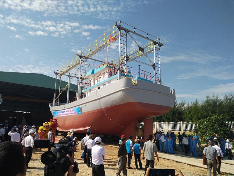 Quảng Nam: Hạ thủy tàu vỏ thép hơn 18 tỉ đồng - ảnh 2