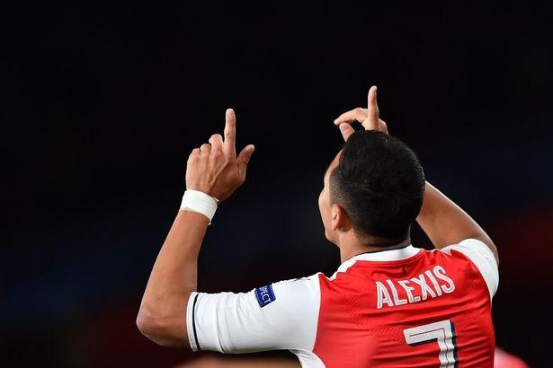 Sốc:Cặp sao Arsenal không được đề cử Quả bóng vàng 2016 - ảnh 3
